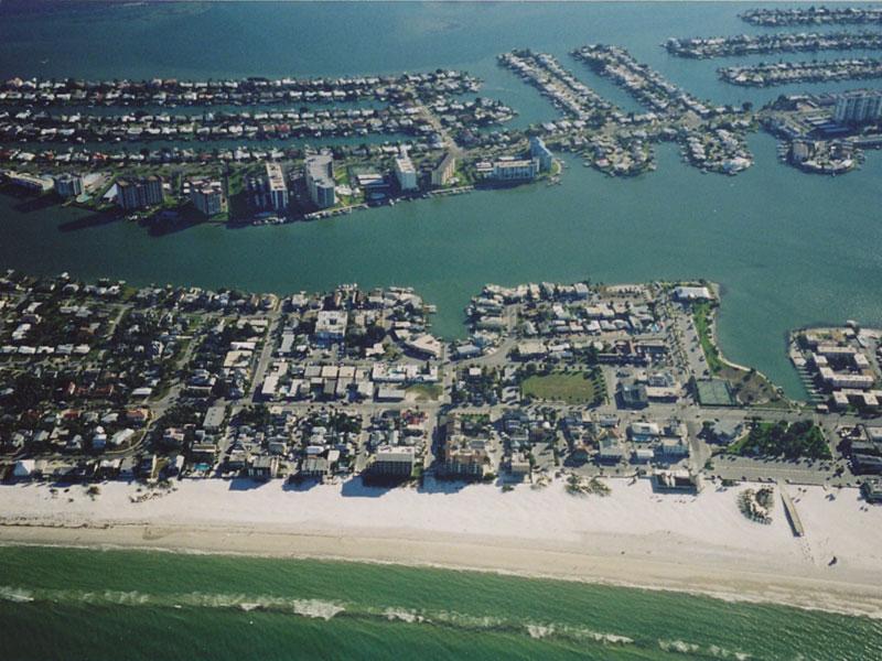 Floridaner leben gerne am Wasser