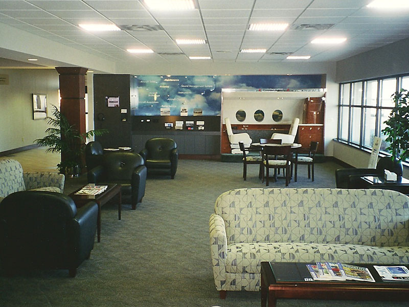 Moline Airport Lounge
