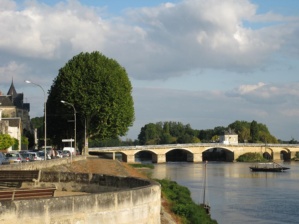 085_Loireboot_1024