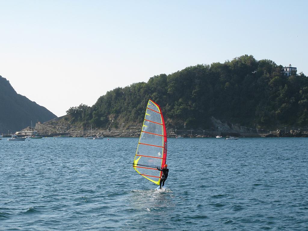 270_Surfer_1024
