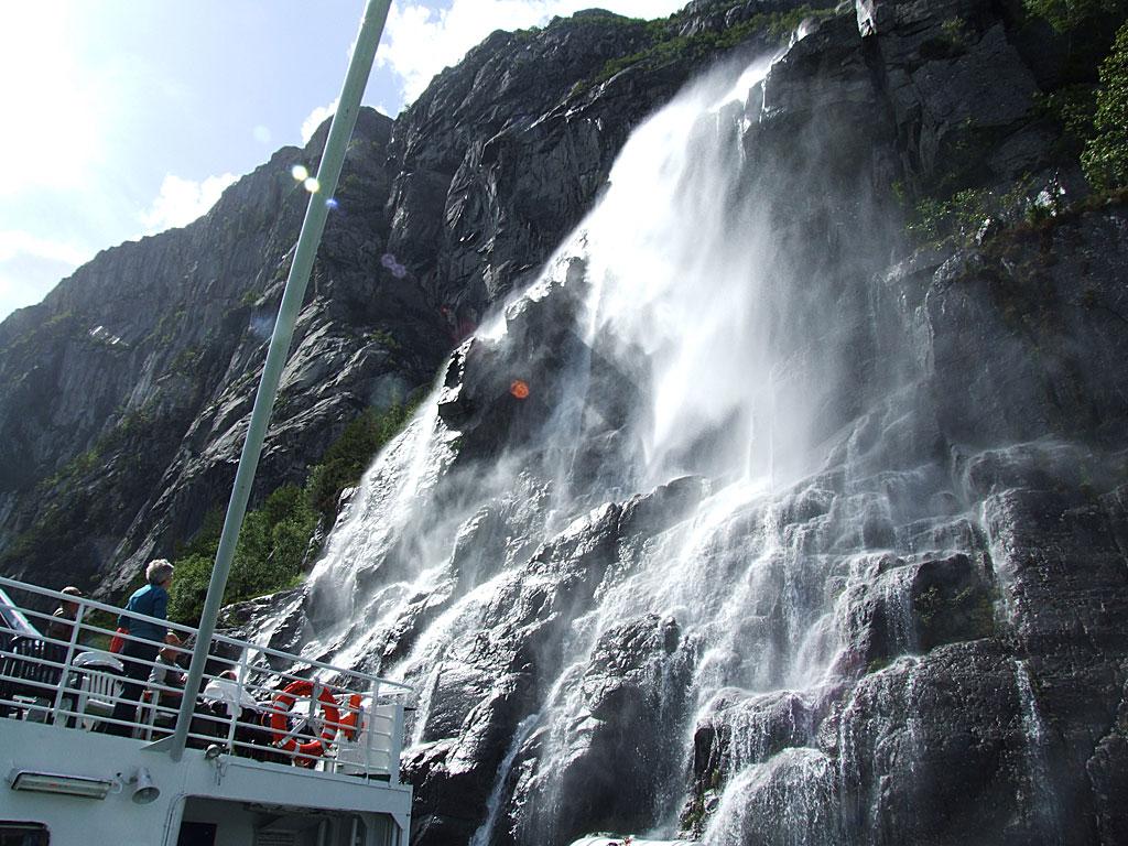6526_Wasserfall_1024