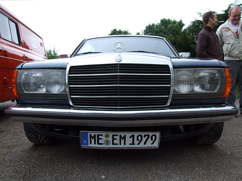 999_Blaue-Front_800