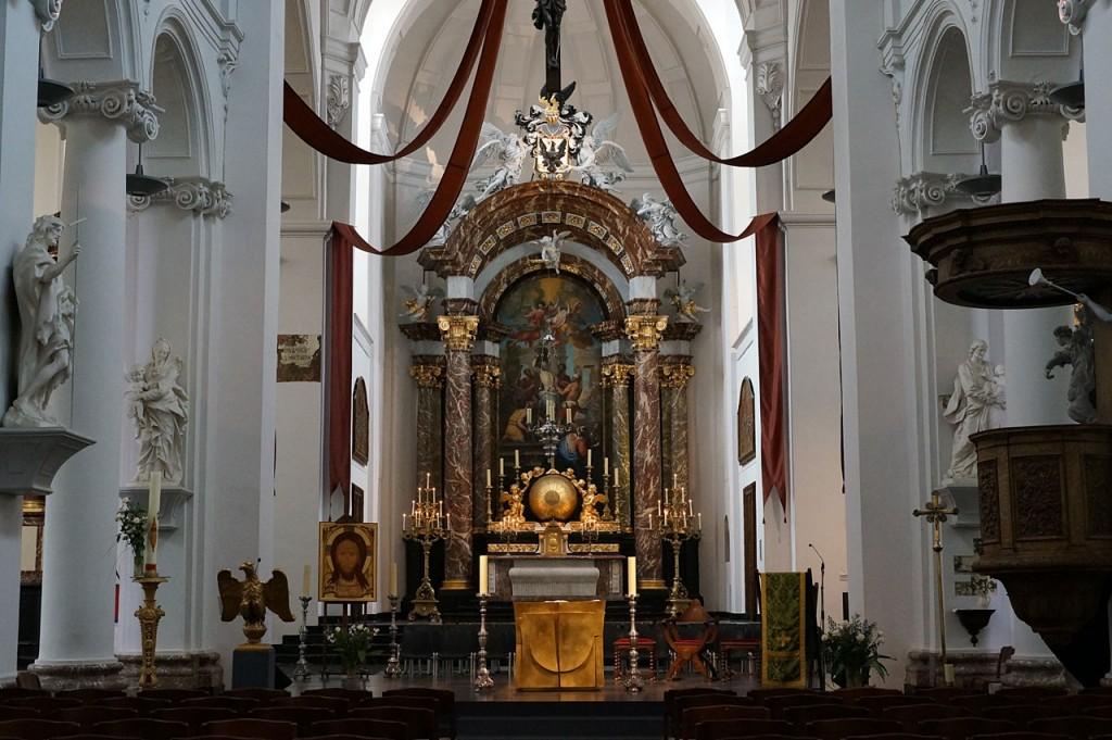 1473-Kirchenschiff