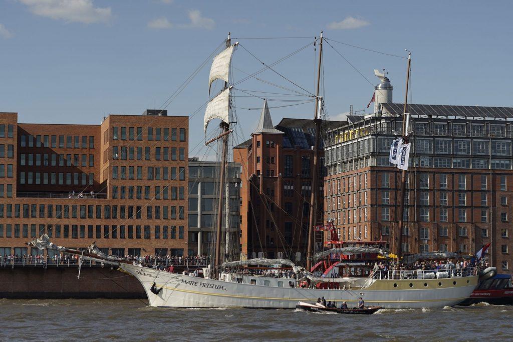 """In Hamburg zu Hause: Dreimastmarstoppsegelschoner """"Mare Frisium"""""""