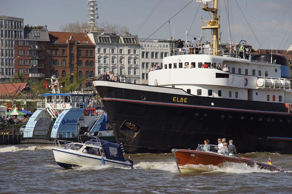 """Der 1959 gebaute niederländische Hochseeschlepper """"Elbe"""" wurde als Greenpeace-Flaggschiff weltbekannt und war an spektakulären Aktionen beteiligt. Das Schiff sank schon zweimal."""