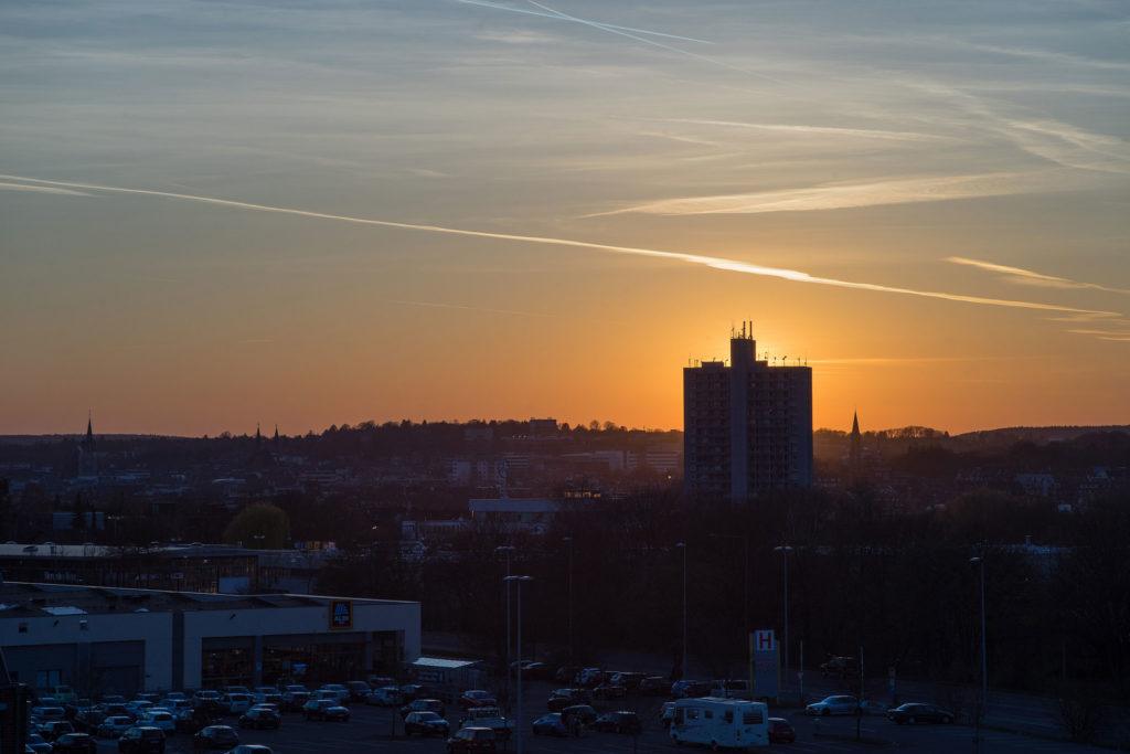 Sonnenuntergang über Aachen.  Zoom-Rolleinar 3.5-4.5 35-105 Macro an Sony A7II